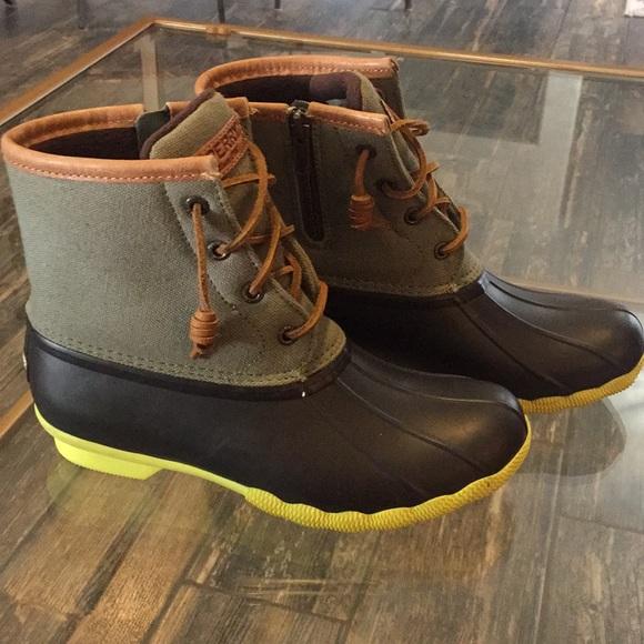 Sperry Women s Waterproof Rubber Boot Size 6 40c099b6f5